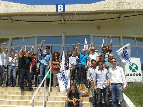 Rassemblement jeudi 13 juin 2013 devant le siège d'Astek Sud-Est, Sophia Antipolis (06)